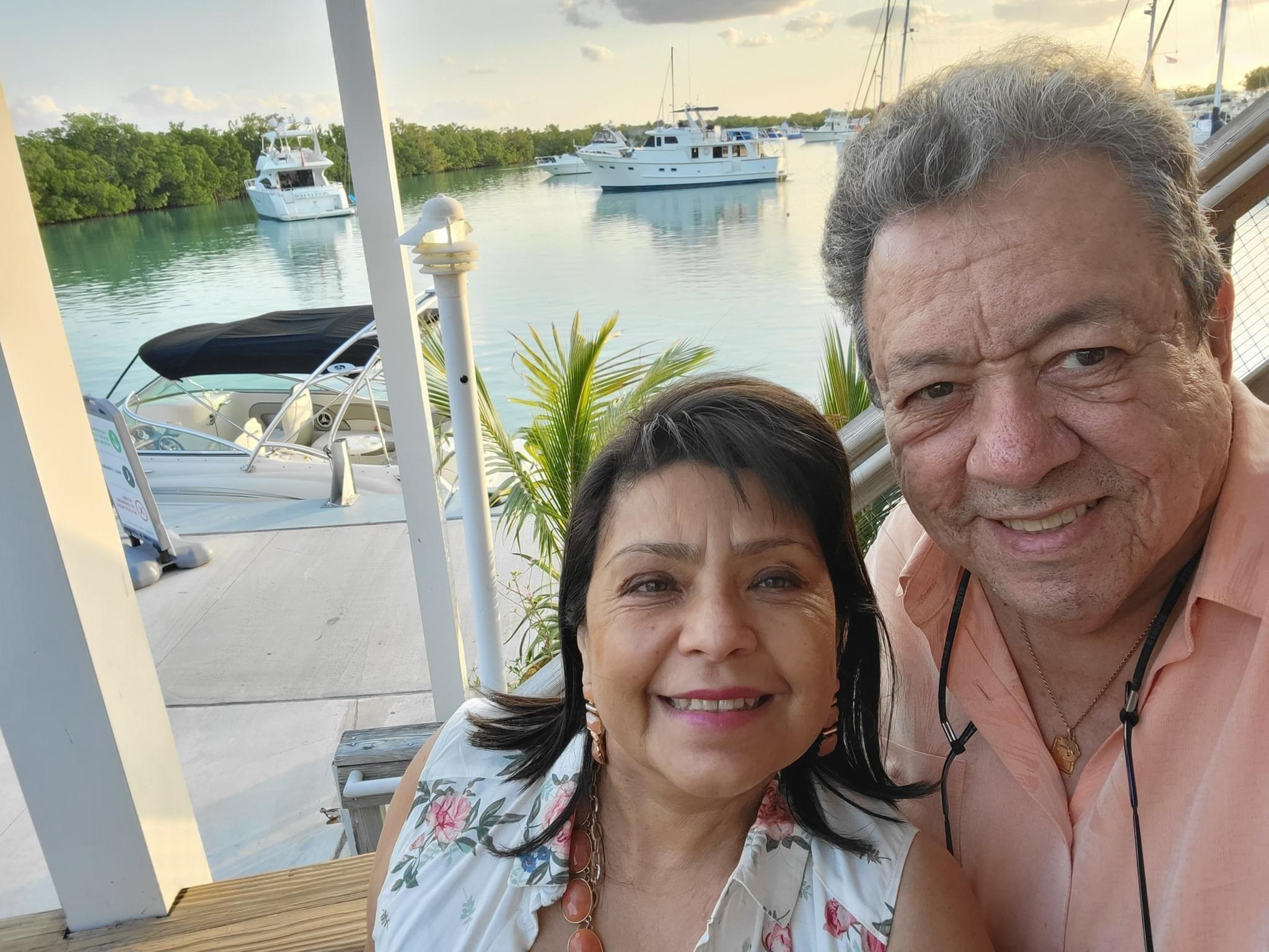Gabriel y Rossy Salazar
